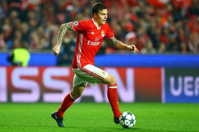 Victor Lindelof to Manchester United